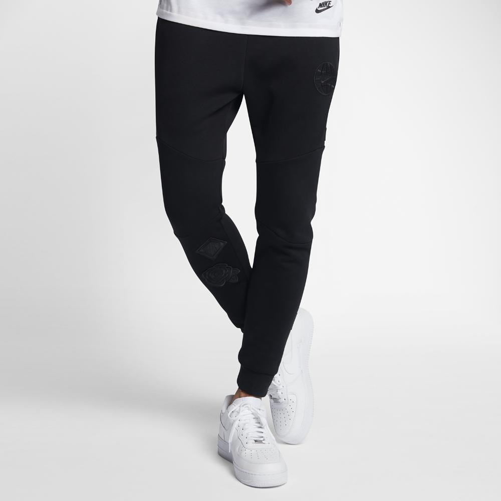 Nike Sportswear Tech Fleece Men's Graphic Joggers Size