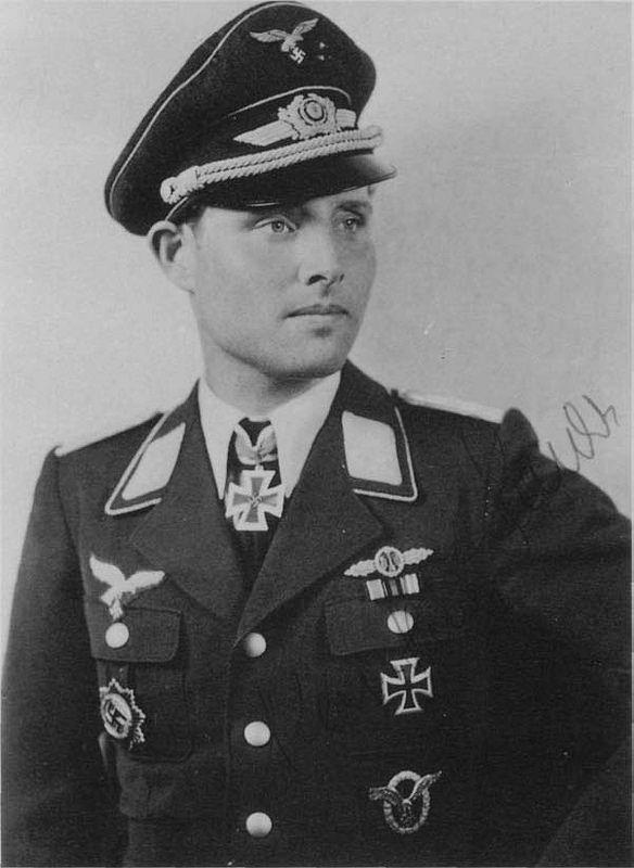 Oberleutnant Karl-Heinz Bendert (1914-1983) -- RK: 30-12-42 ...