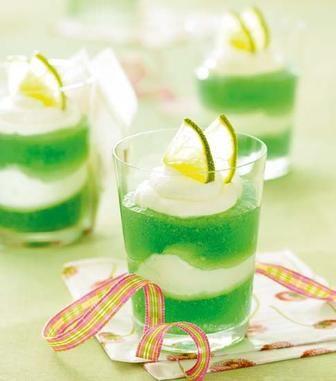 Waldmeister-Limetten-Dessert
