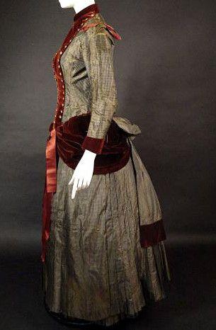 1870s silk taffeta bustle gown with velvet trim: Side view