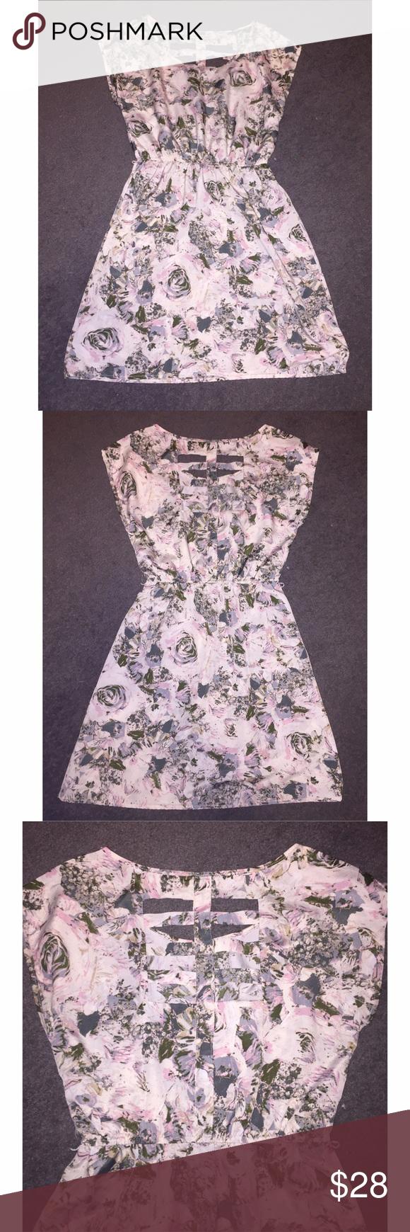 👗 Floral Print Cocktail Dress NWOT Floral Print Cocktail Dress Charlotte Russe Dresses