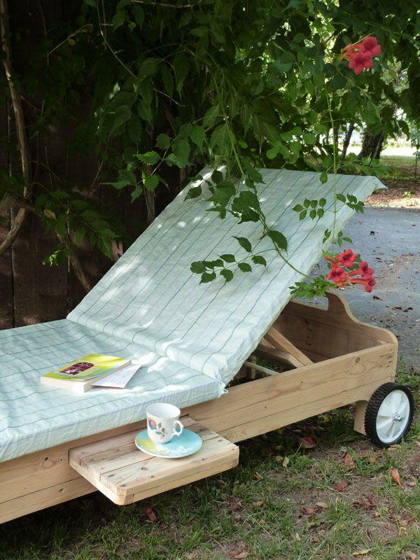 bain de soleil en bois de palettes outdooring pinterest pallets bricolage and wood pallets. Black Bedroom Furniture Sets. Home Design Ideas