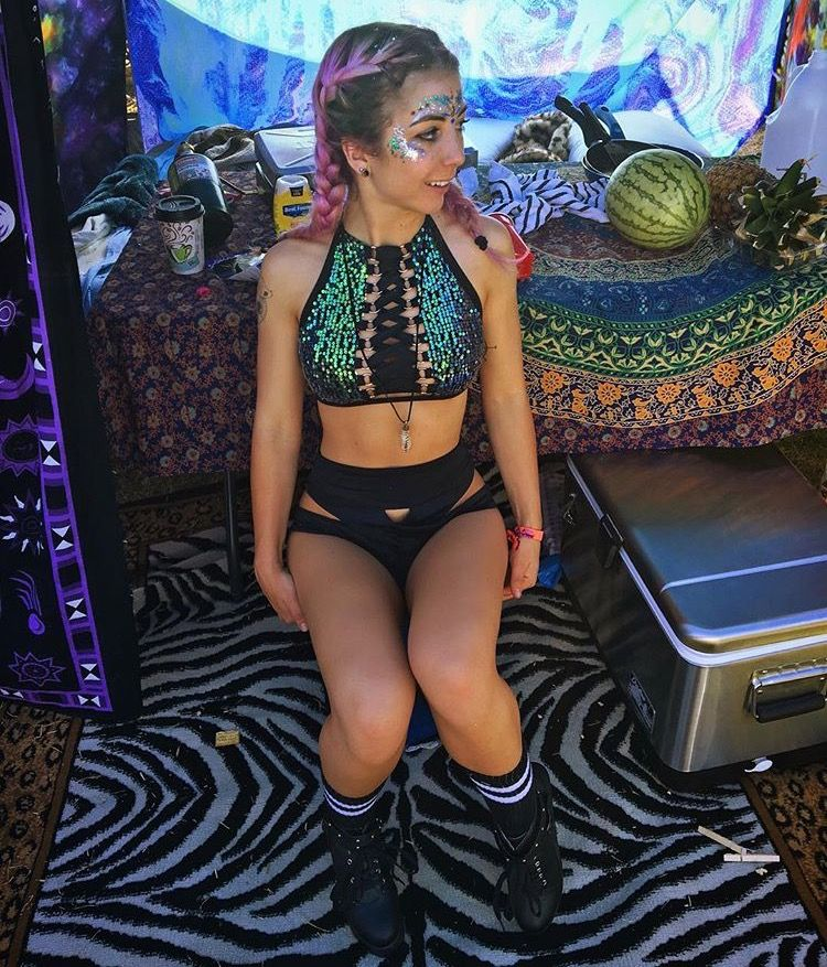bbe4378cb39a1a Image result for rave outfits Festival Looks