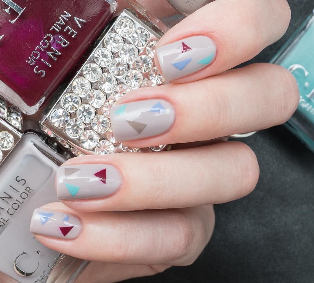 D4zzling me lee hi rose inspired nail - Cev Chic Elegant Love Triangle And Nude Nail Polish Cev Cevjapan