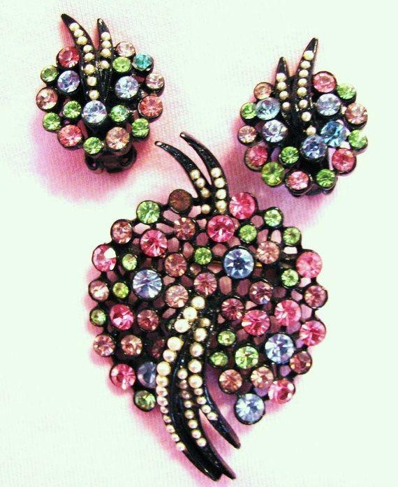Vintage Art Mode Rhinestone Brooch and Earrings by JuleesTreasures, $45.00