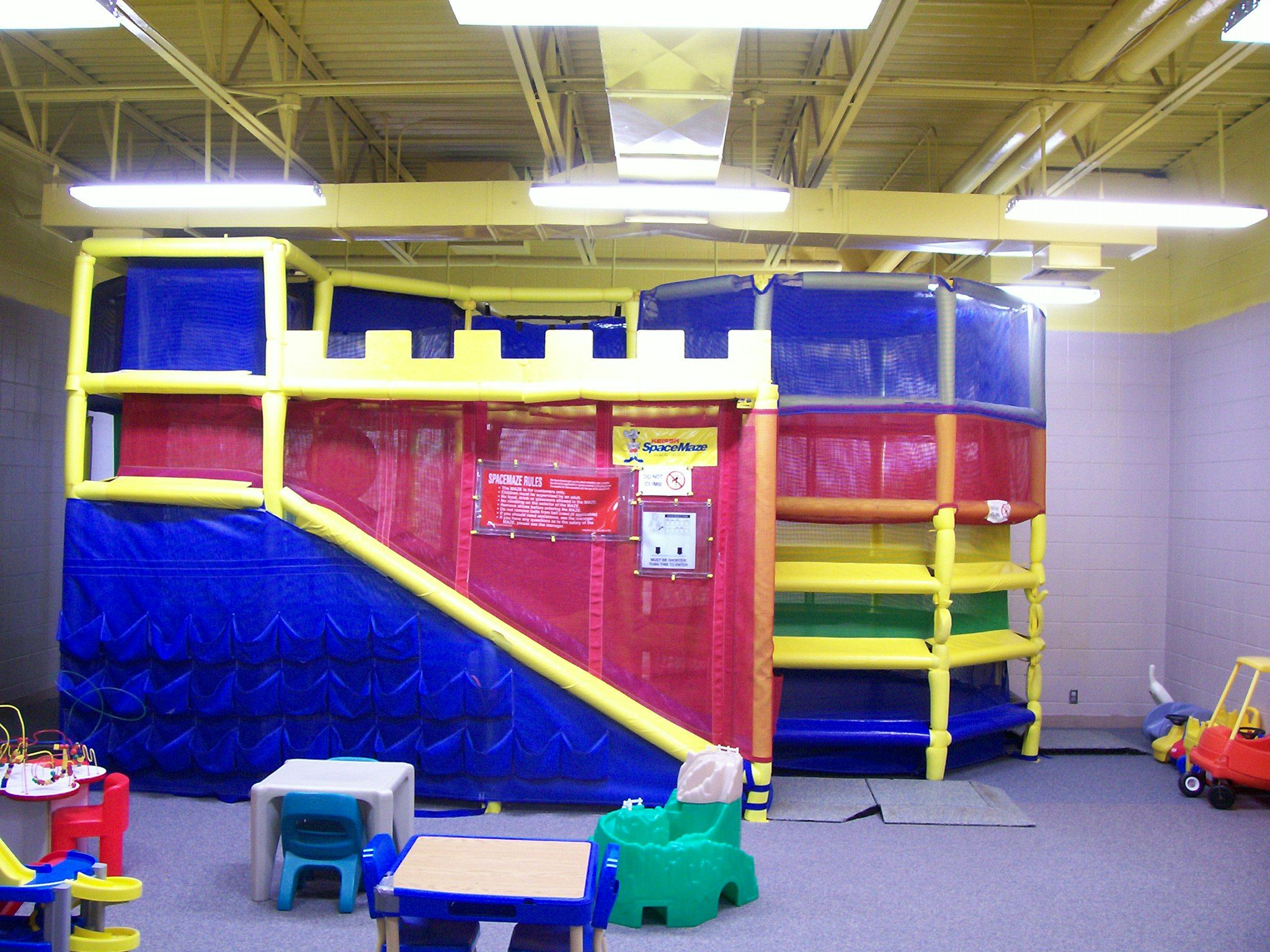 Creative loft bed ideas  Kids Room Active And Creative Loft Bed In Kid Play Room Idea For