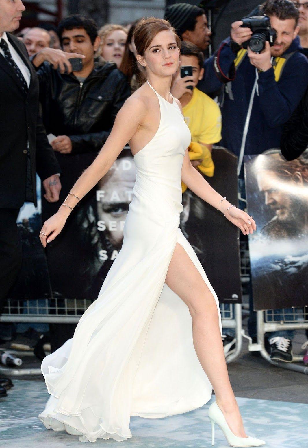 List of Celebrity measurements - FamousFix List
