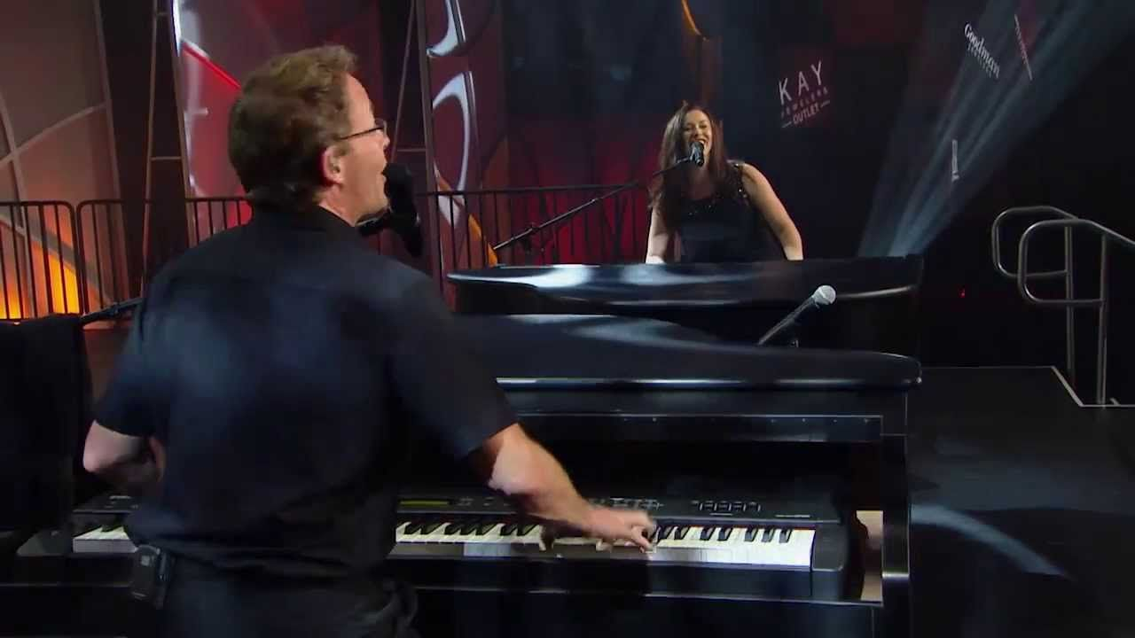 New Video! Michael and Amy Headline Dueling Pianos Show - 2014