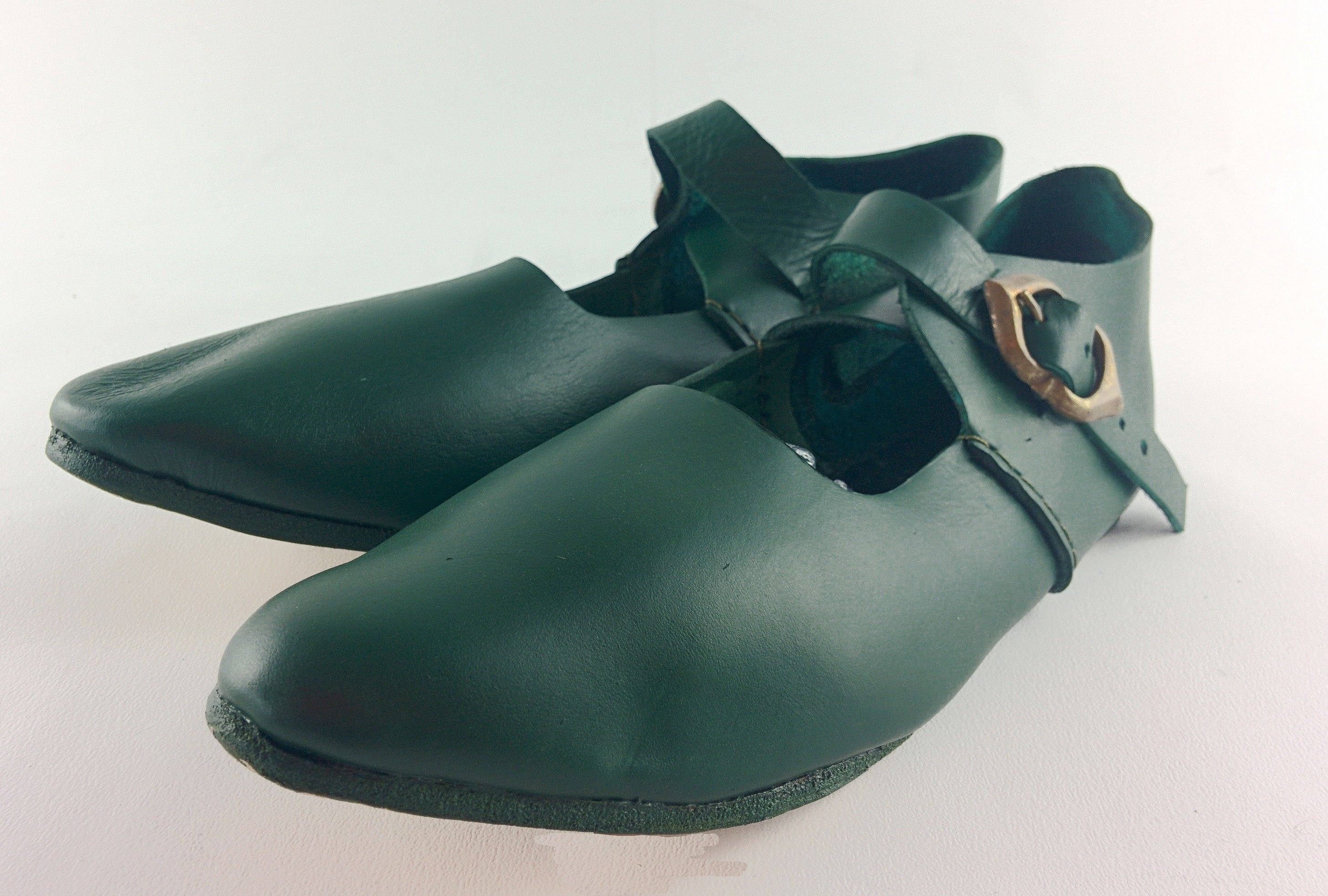 af3e0782809 An authentic leather court shoe for ladies or nobility living ...