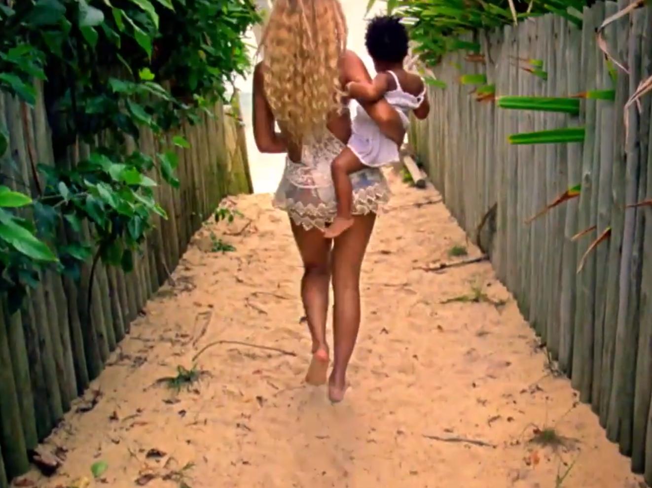 Nouveau clip de Beyoncé cartonne avec son bébé Blue Ivy de 23 mois