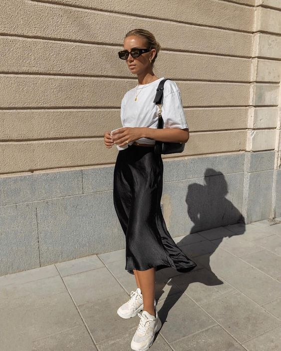 Silk slip skirt midi Black pencil silk skirt Silk slip bias cut black skirt Black slip skirt Silk cl #summervacationstyle