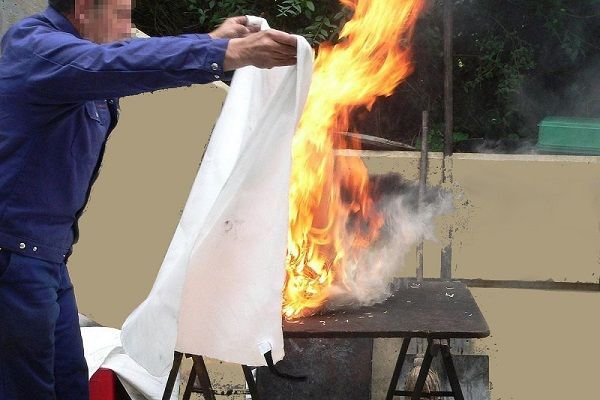 How To Use A Fire Blanket Emergency Fire Safety Cover Fire