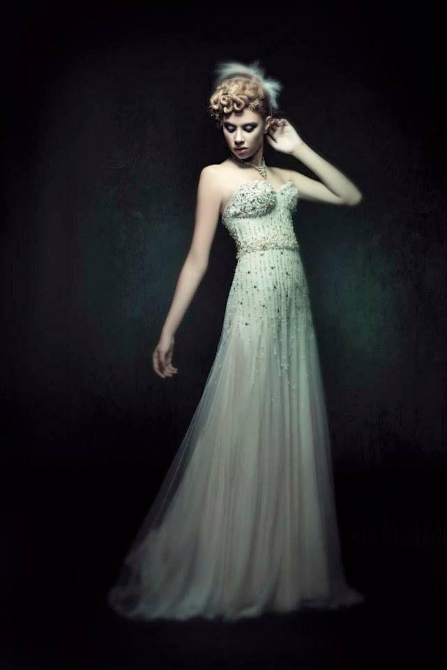 086f2e9571dc tules y encajes antiguos, recamados en azhares - vestido novias ...