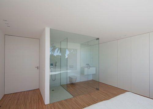 Kleine open badkamer in slaapkamer interieur huizen in