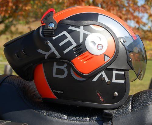 Roof Boxer V8 Helmet Review Bulletin Board Motorcycle Classics Helmet Motorcycle Helmet Design Boxer