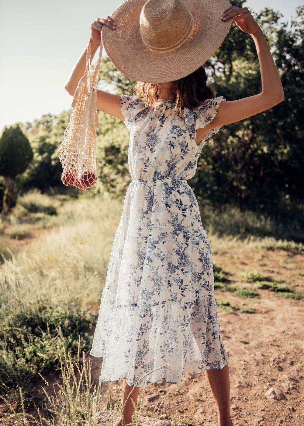 Waterloo Floral Dress - JessaKae, summer shoot, model, photoshoot, womens  fashion, modest fashion, blogger, OOTD, brown… | Flowy dress, Floral dress,  Modest fashion