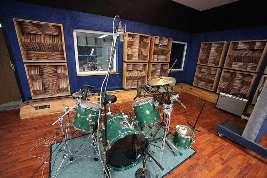 recording studio schloss r hrsdorf kommunit t tonstudio bandhotel recording studio. Black Bedroom Furniture Sets. Home Design Ideas