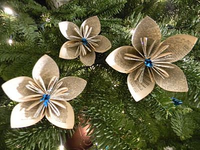 27 wonderful paper and cardboard diy christmas decorations 27 wonderful paper and cardboard diy christmas decorations shelterness solutioingenieria Image collections