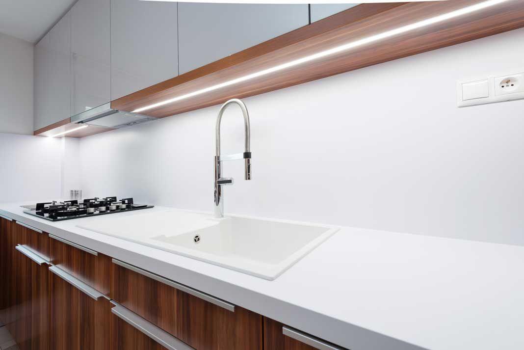 Keuken Achterwand Kunststof : De kunststof keuken achterwand is goedkoop en heel erg praktisch in
