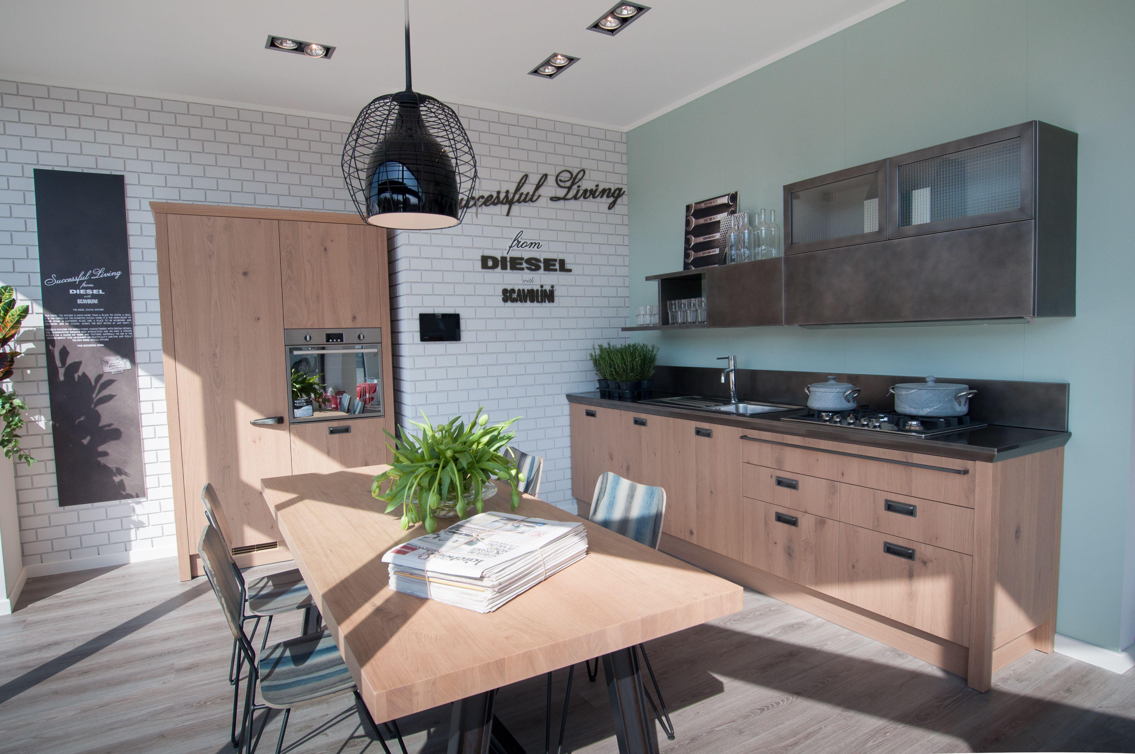 Diesel social kitchen in esposizione nello scavolini store for Scavolini kitchens