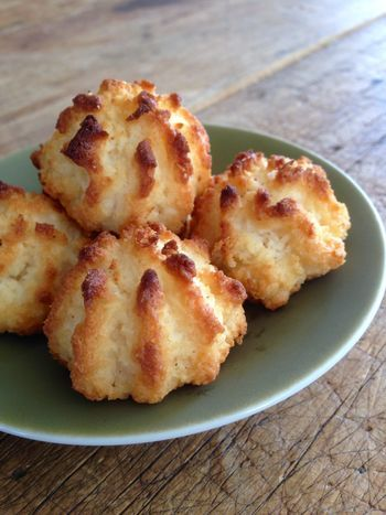 3 Ingredient Coconut Macaroons They Re Gluten Free Too In 2019