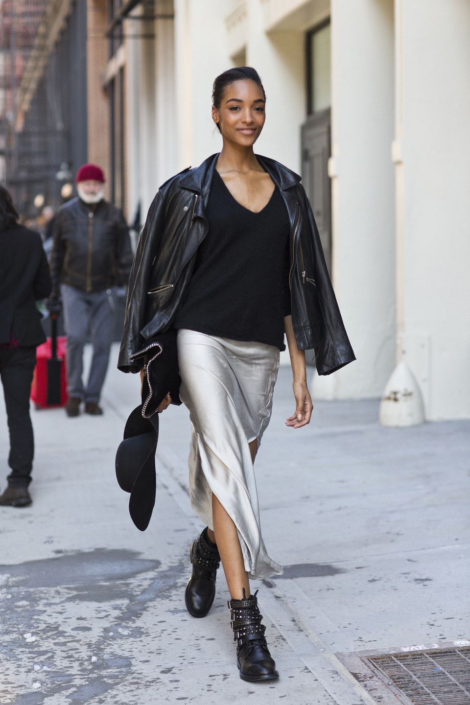 NYFW: Best of Street Style | Fashion, Style, Silver skirt outfits