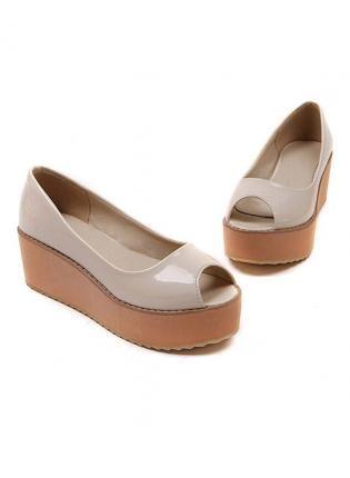 Teen wearing peep toe shoes