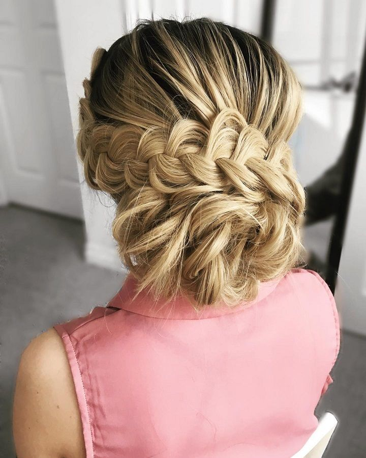 Braided wedding hairstyle for medium hair #weddinghair #hairstyle #weddinghairideas #braidedhairstyle