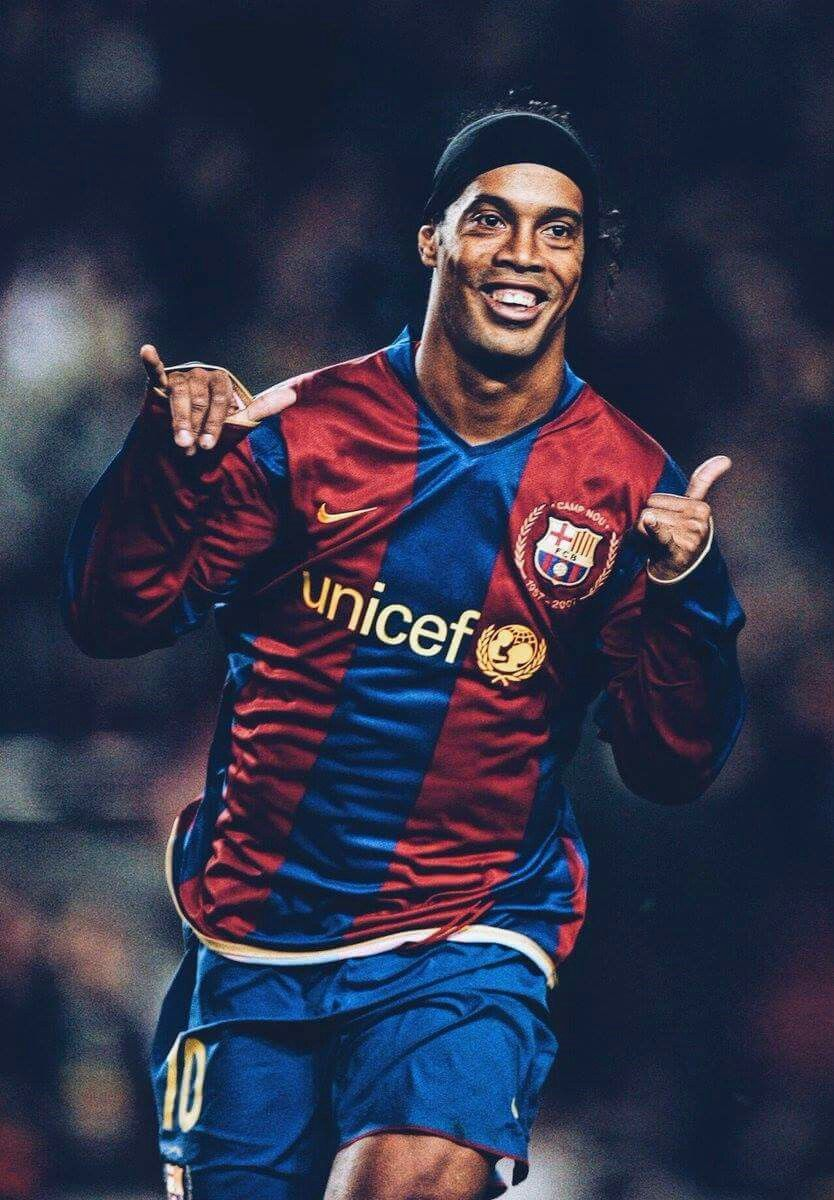 Ronaldinho Iphone Wallpaper 67 Image Collections Of Wallpapers Ronaldo Football Legends Football Barcelona Soccer