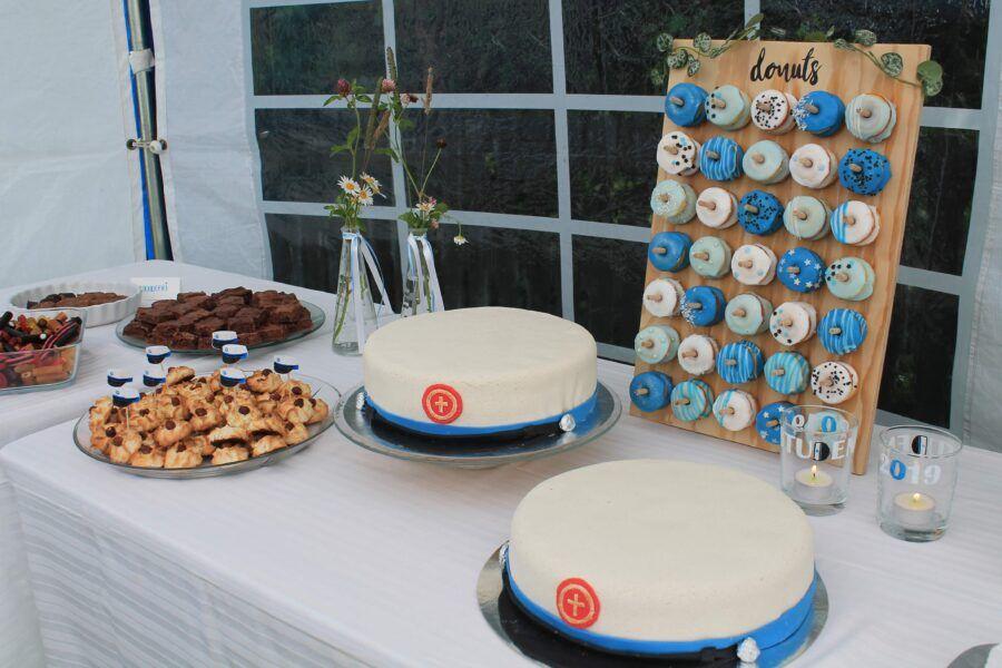 Student Og Studenterfest Studenterkager Jordbaerkage Dessert Studenter Fest