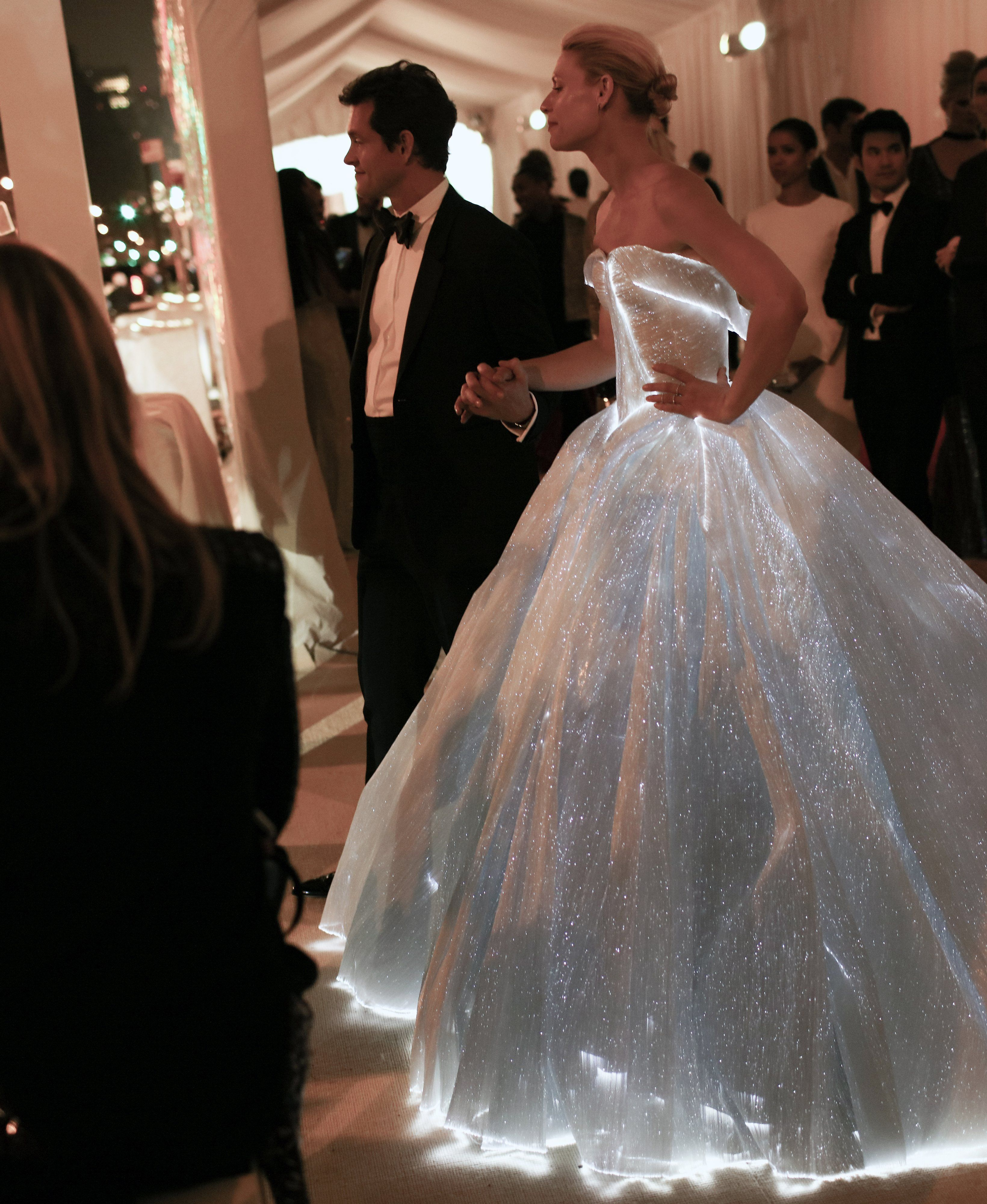 All The Red Carpet Candids At The Met Gala - Photos