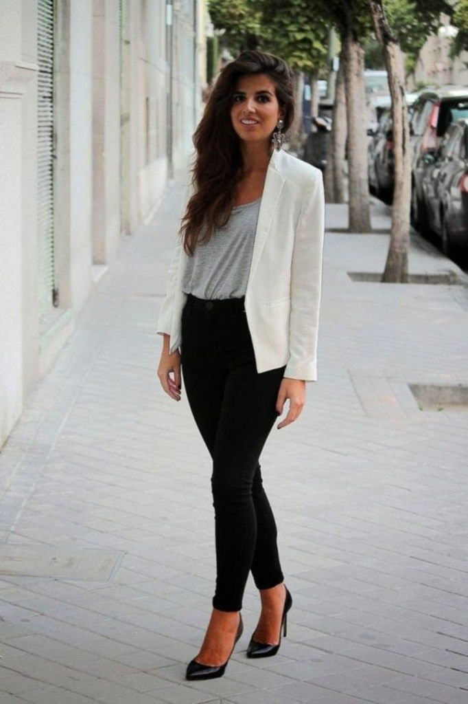 32 Classy Casual Work Outfits for Women Career Over 30 #businesscasualoutfitsforwomen