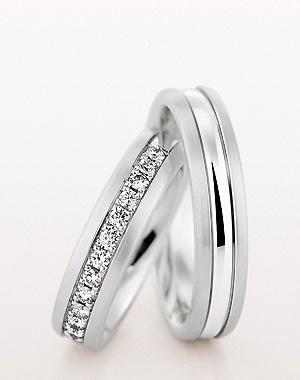 6b7a61de9714 argollas de matrimonio con piedras - Buscar con Google