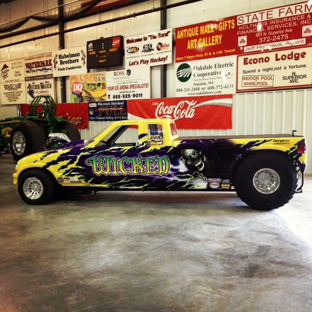 Wicked Pulling at the 2012 Press Conference at the NTPA