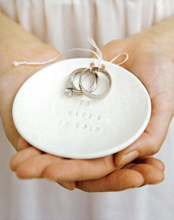 Traditional Wedding Ring Pillow : Chic Alternatives to the Traditional Ring Pillow Ring pillows, Bridal musings and Wedding blog