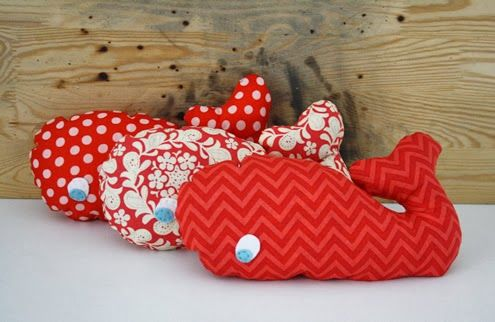 3 whales in a row - Happy in Red | SOFTIES | Pinterest | Wale, Rot ...