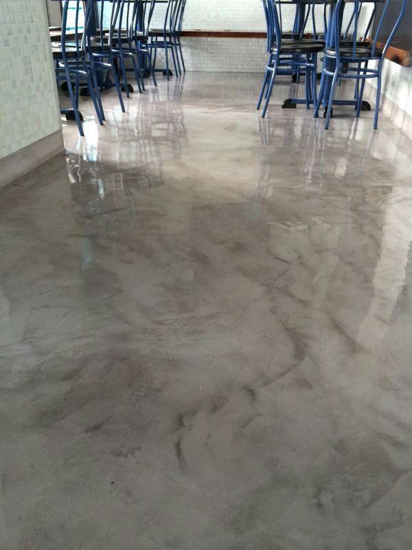 Suelo de microcemento acabado marmoleado pisos de for Pisos para escaleras de concreto