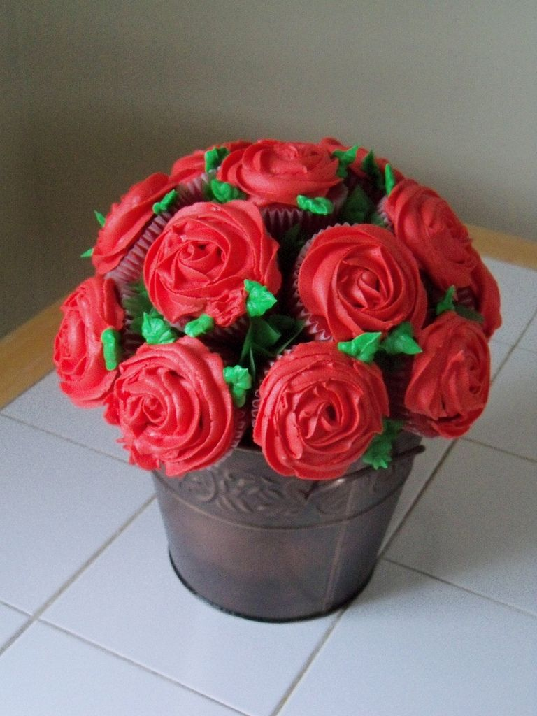 Red cupcake bouquet red velvet cake and food red cupcake bouquet izmirmasajfo