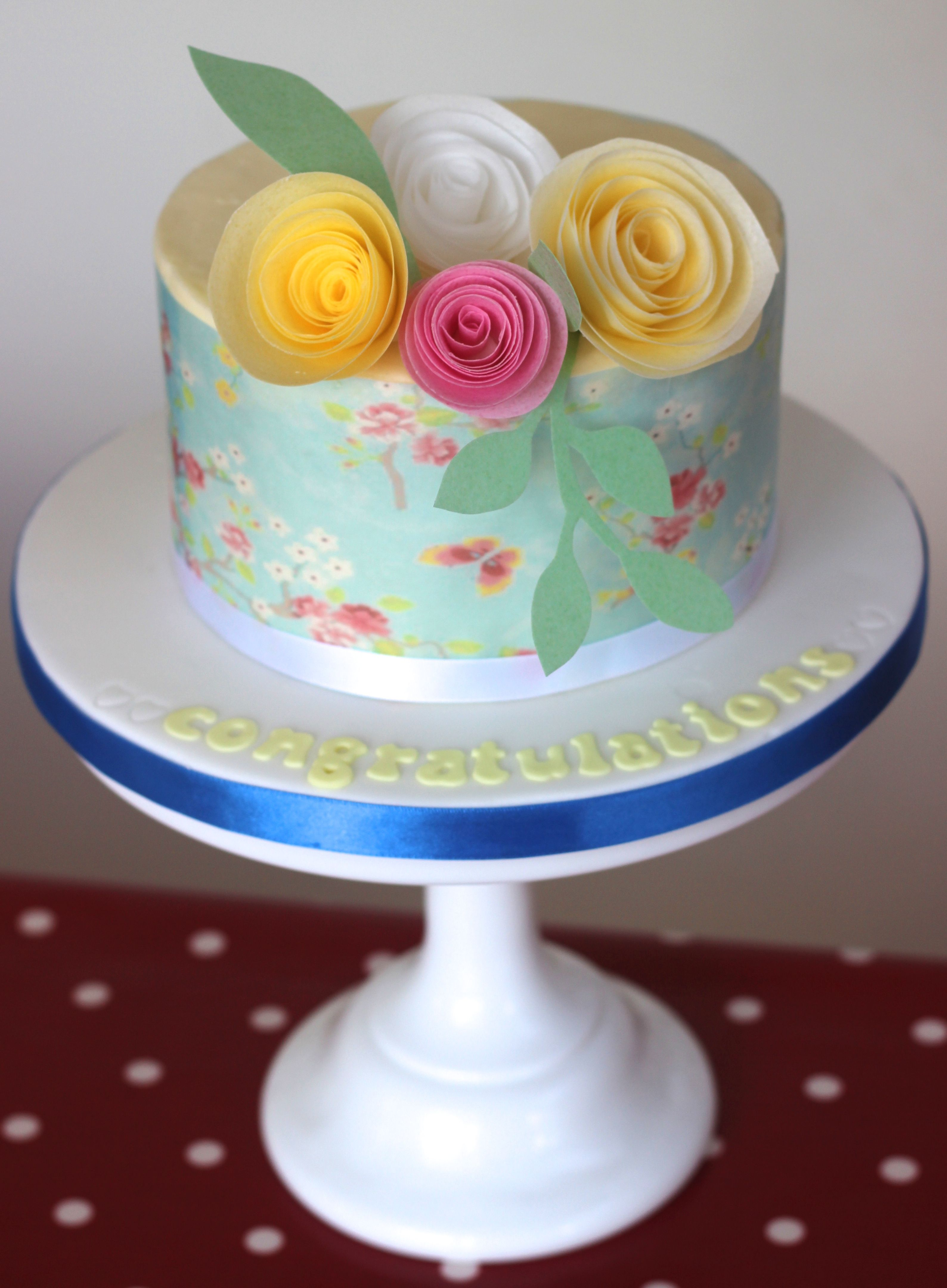 Con Shevron En Vez Wafer Paper Buttercream Cake With Wafer Paper