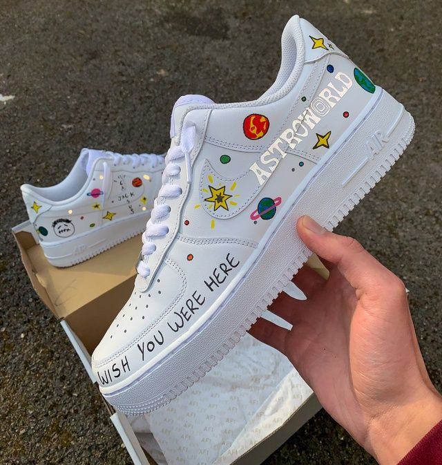 3m Reflective Travis Scott Air Force 1 Custom perfect for all sneaker heads, nobody else is selling this design!! As my items are custom made, all sales are final and I do not accept returns.