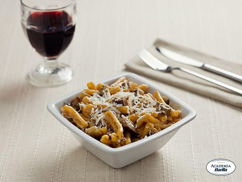 Casarecce con pesto alla siciliana melanzane e ricotta for Barilla ricette