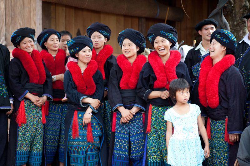 Advocacy And Livelihoods Luang Prabang Laos Traditional Art Traditional Dresses Luang Prabang