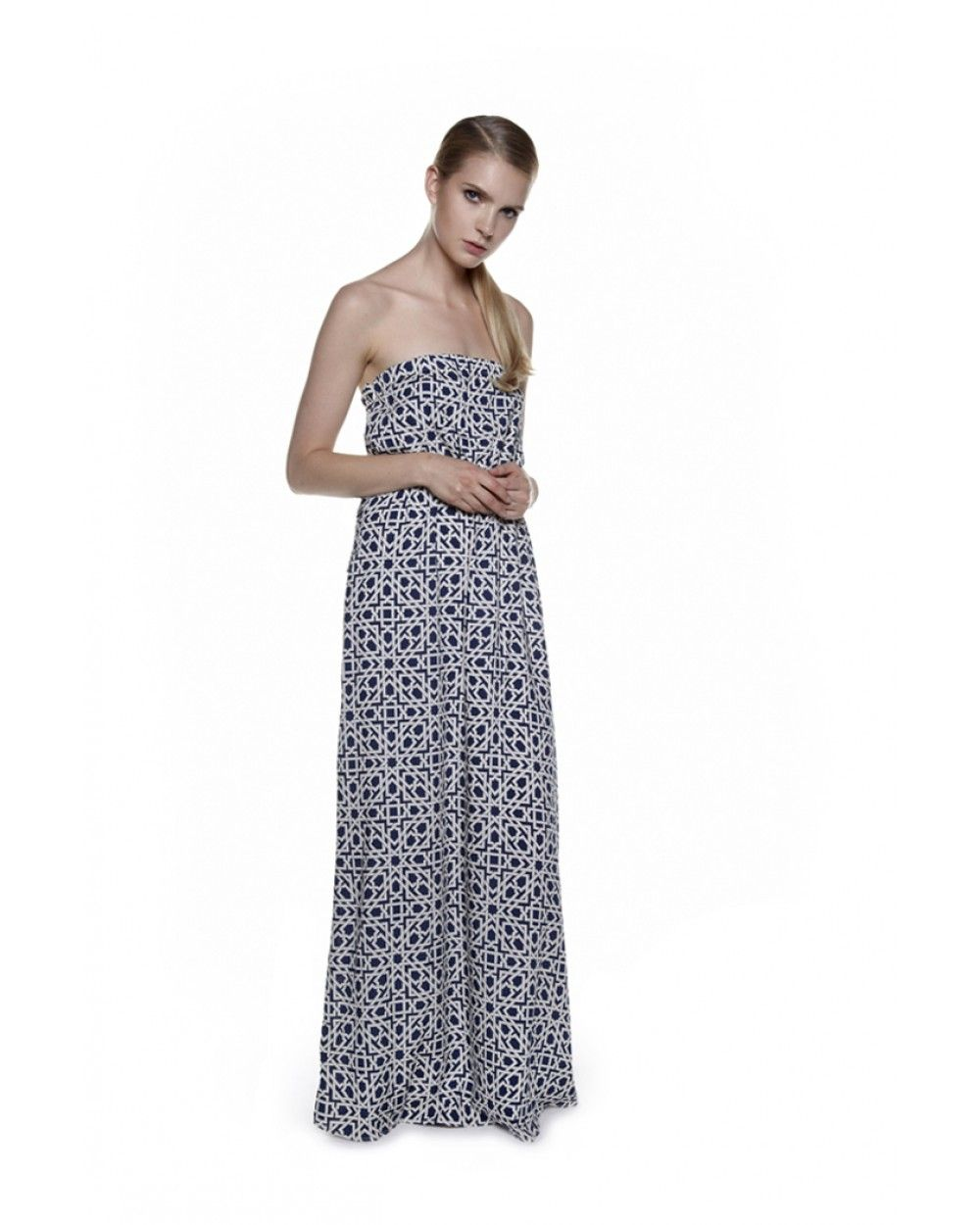 Have a look at this beautiful dress inspired in the arabian