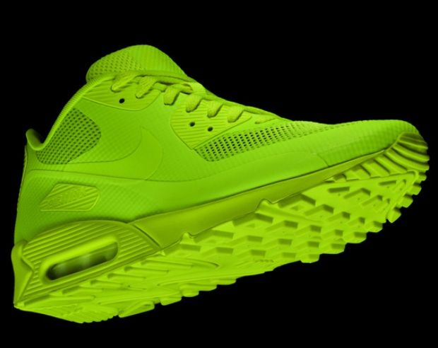 Pin by CynicalKiddo on Can you kick it? | Air max 90