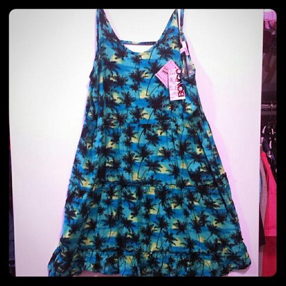Palm tree sundress Blue and green palm tree sundress, back out, loose ruffled skirt BONGO Dresses
