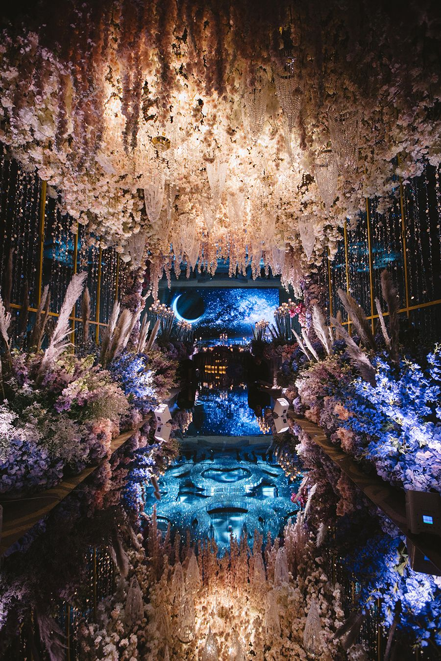 Kelvin and Yiyi's Opulent Wedding Bash in Kuala Lumpur, Malaysia #decorationevent