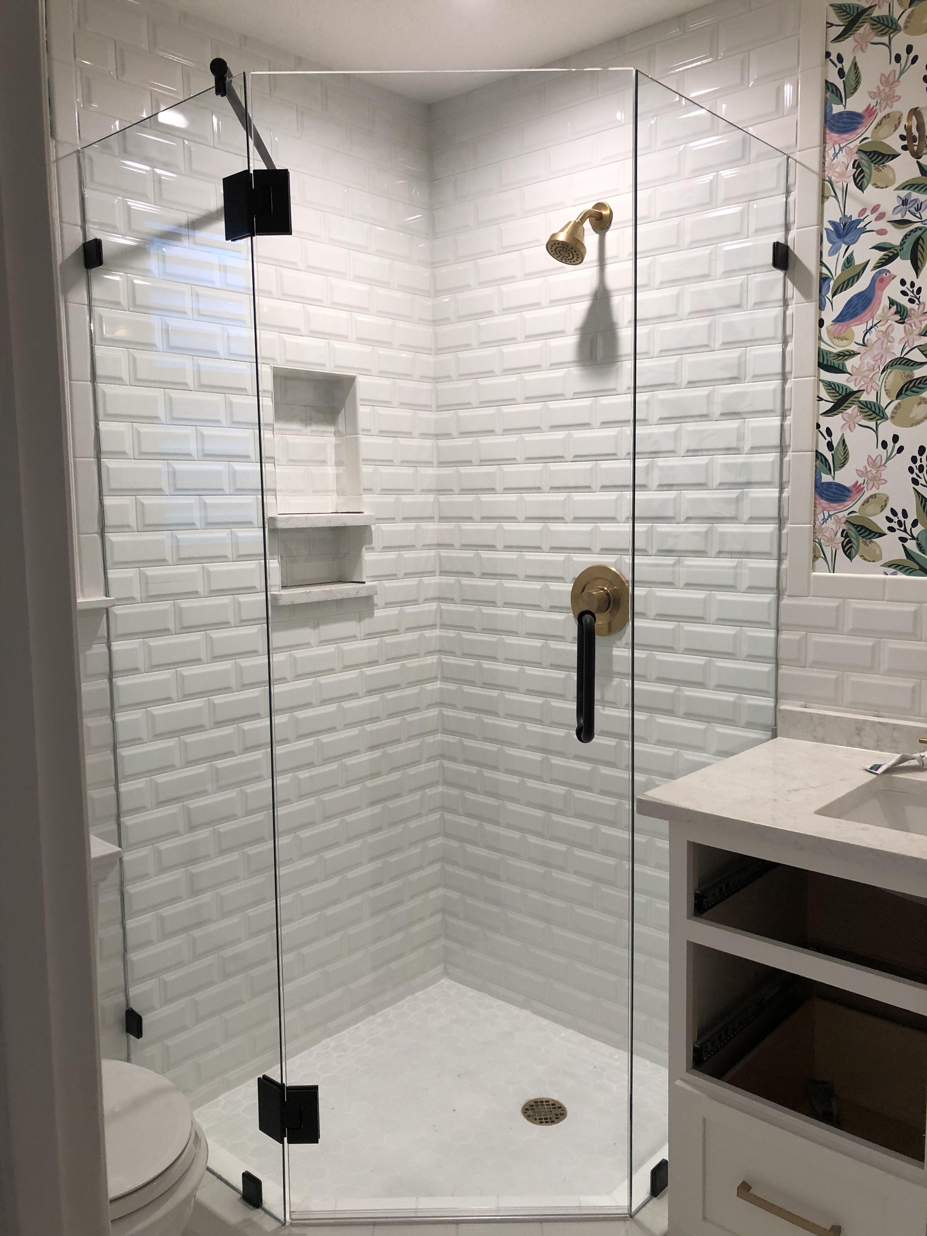Frameless Neo Angle Shower Enclosure So Beautiful Southtxmade Work Done By Medina Glass Dev Neo Angle Shower Enclosures Neo Angle Shower Bathroom Interior