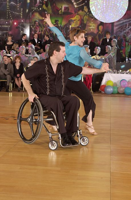 Ud To Offer Nation S First Wheelchair Dance Course Everybody Dance Now Dance Swing Dance