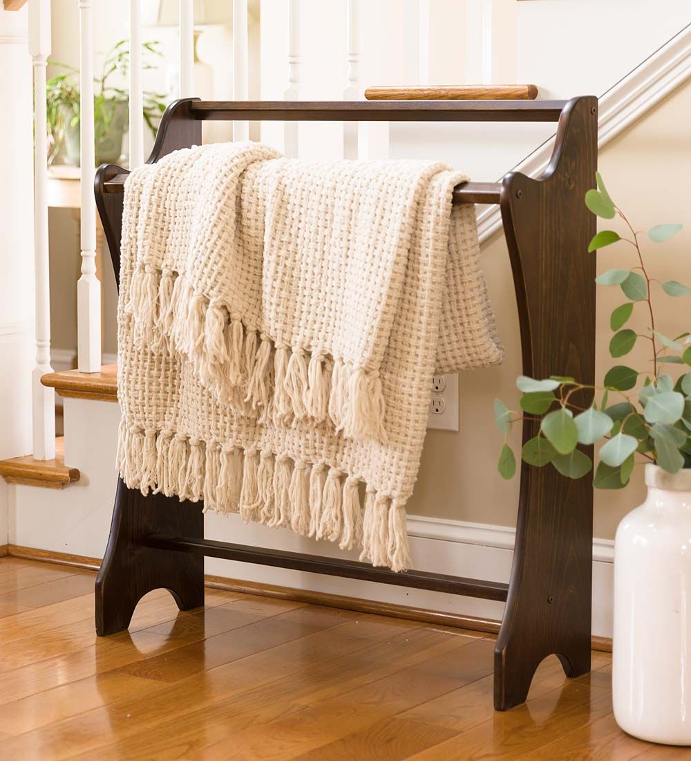 Decorative and practical, our Standing Wood Quilt Rack lets you ... : pine quilt rack - Adamdwight.com