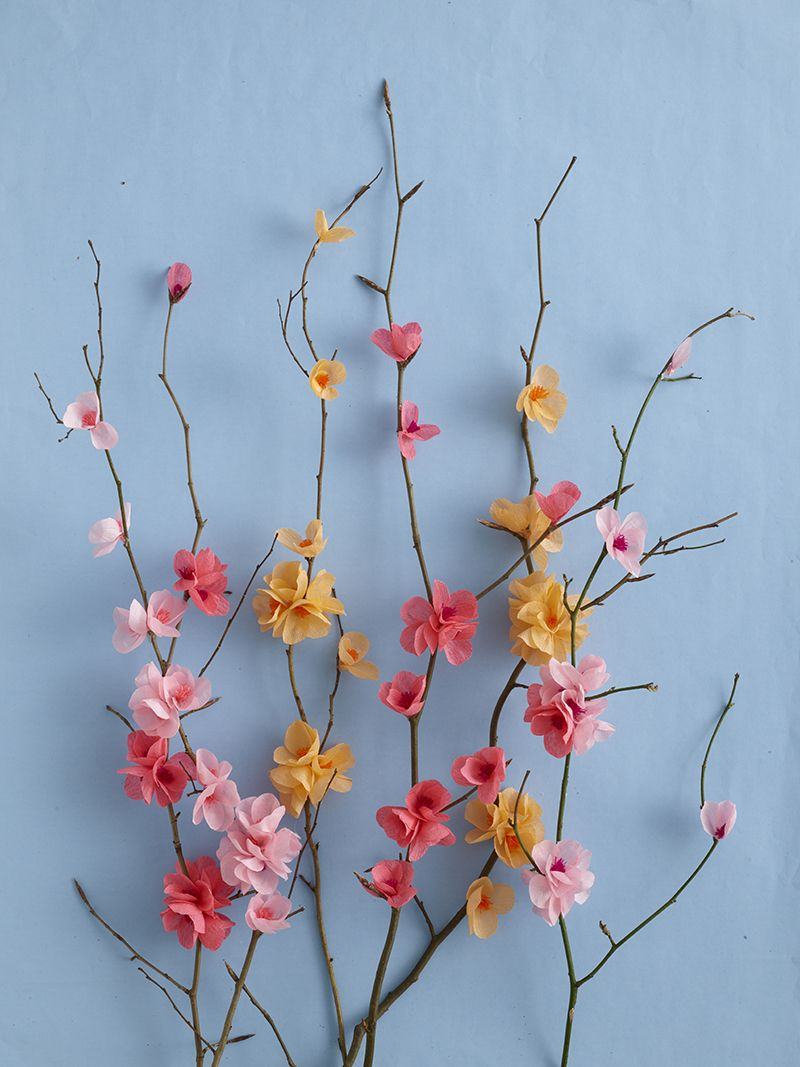 creative ways to use paper including this beaut in Paper Craft